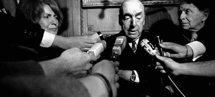 Μυστήριο παραμένει η αιτία θανάτου του Πάμπλο Νερούδα (Φωτογραφία: AP/ Laurent Rebours)