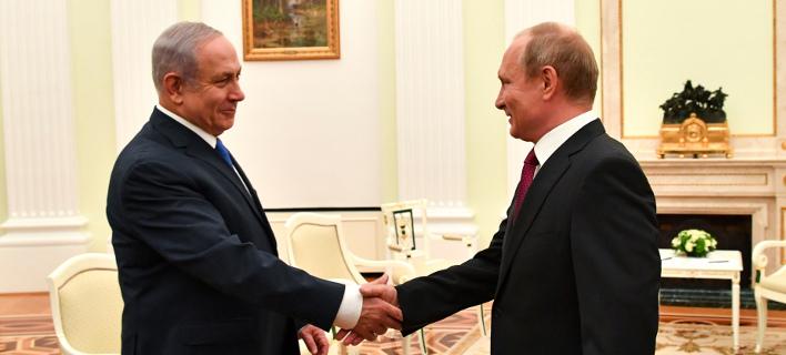 O Μπενιαμίν Νετανιάχου και ο Βλαντιμίρ Πούτιν/ Φωτογραφία AP images