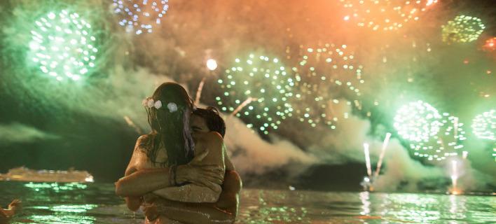 Πως γιορτάστηκε η Πρωτοχρονιά σε όλο τον κόσμο - Εικόνες από την Αυστραλία μέχρι την Νέα Υόρκη (ΦΩΤΟ)