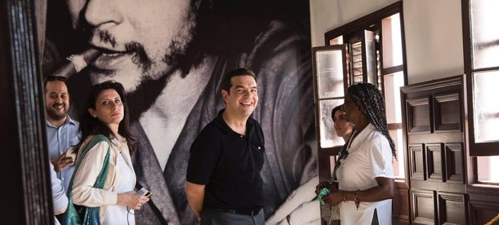 To Τwitter για την επίσκεψη Τσίπρα στην Κούβα - «Hasta τα Μνημόνια Siempre!»