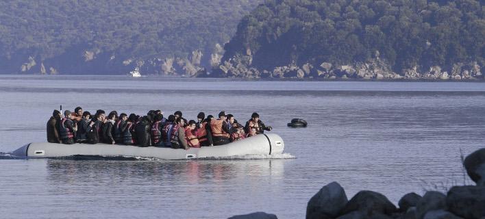 Ασφυξία στα νησιά του Αιγαίου από τους πρόσφυγες - Στις 2.325 οι νέες αφίξεις τον Σεπτέμβριο
