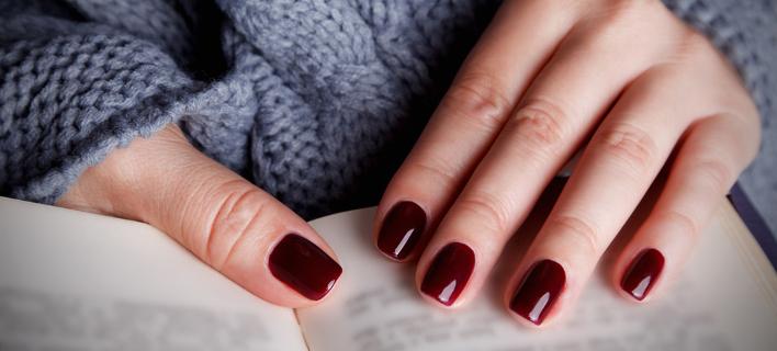 Χέρια με μανικιούρ /Φωτογραφία: Shutterstock