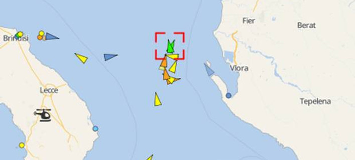 Αυτόπτης μάρτυρας: Το πλοίο καίγεται, άνθρωποι κρέμονται περιμένοντας βοήθεια