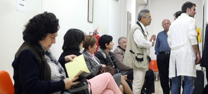 Συνωστισμός καταγράφεται στα νοσοκομεία σύμφωνα με την ΠΟΕΔΗΝ / Φωτογραφία: EUROKINISSI