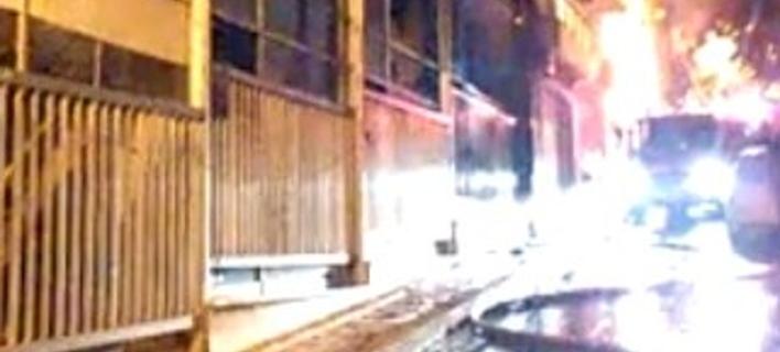 Εθνικοσοσιαλιστική οργάνωση ανέλαβε την ευθύνη για την επίθεση στο κέντρο προσφύγων  [βίντεο]