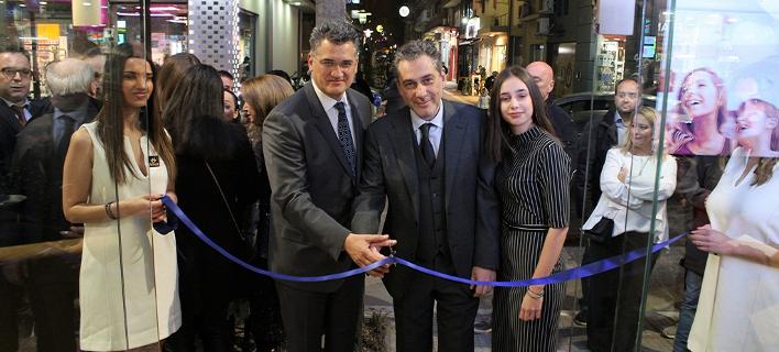 Ο Διευθύνων Σύμβουλος της Forhnet, κ. Πάνος Παπαδόπουλος και ο επικεφαλής καταστήματος Nova στη Λάρισα, κ. Κώστας Γκουντέλος