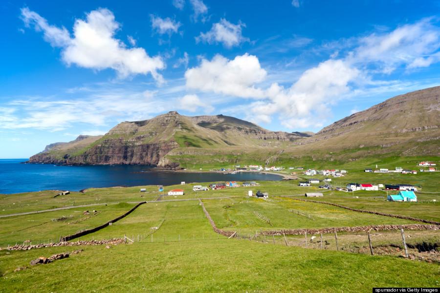 Φερόες νήσοι: Ο μαγευτικός προορισμός όπου ζούνε περισσότερα πρόβατα παρά άνθρωποι