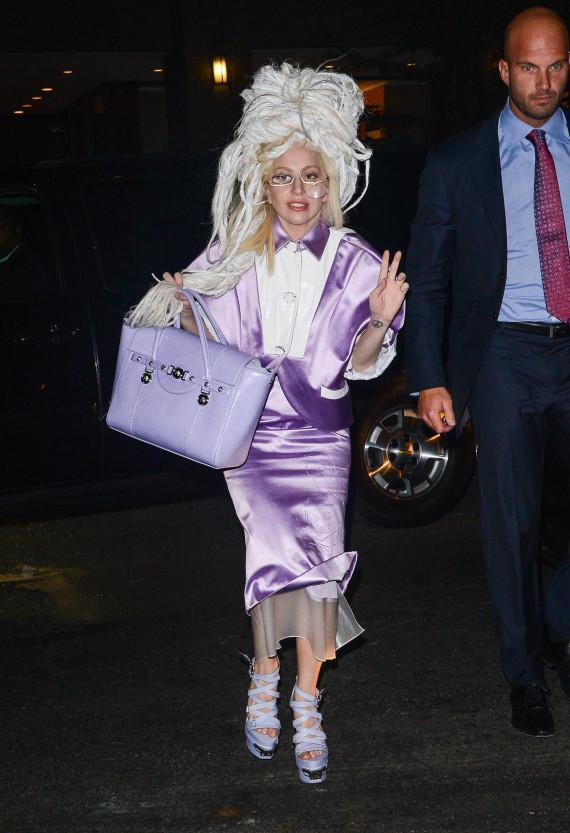 Lady Gaga - Σελίδα 9 O-lady-gaga-old-lady-570_2