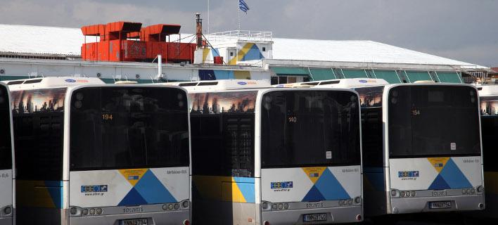 Τρεις πυροβολισμούς από αεροβόλο όπλο δέχθηκε λεωφορείο στη Λιοσίων (Φωτογραφία αρχείου: EUROKINISSI)