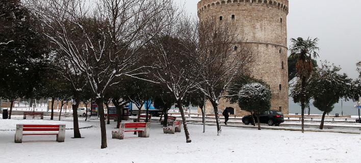 Προβλήματα με τα χιόνια στη Θεσσαλονίκη: 50 λεωφορεία του ΟΑΣΘ κυκλοφορούν ακόμα με αλυσίδες