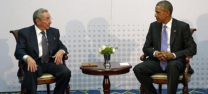 Ιστορική στιγμή: Τι έγινε στη συνάντηση Ομπάμα-Κάστρο
