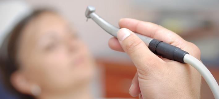Θρίλερ με το θάνατο 15χρονης μετά την επίσκεψή της σε Αλβανό οδοντίατρο