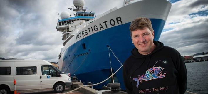 Στην φωτογραφία απεικονίζεται ο επικεφαλής της επιστημονικής ομάδας, Tim O'Hara
