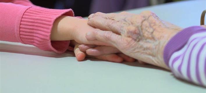 Ενωσαν γηροκομείο και νηπιαγωγείο στο Σιάτλ και το αποτέλεσμα είναι συγκινητικό [εικόνες&βίντεο]