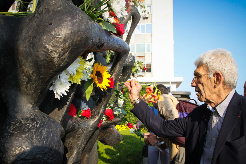 O Γιάννης Μπουτάρης στο Μνημείο Ολοκαυτώματος/ Φωτογραφία Eurokinissi