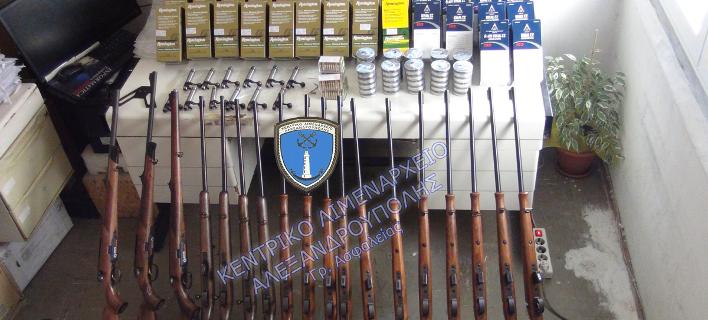 Αυτό είναι το «πολεμικό» οπλοστάσιο που βρέθηκε στην Αλεξανδρούπολη -239.000 σφαίρες, 22 όπλα [εικόνες]