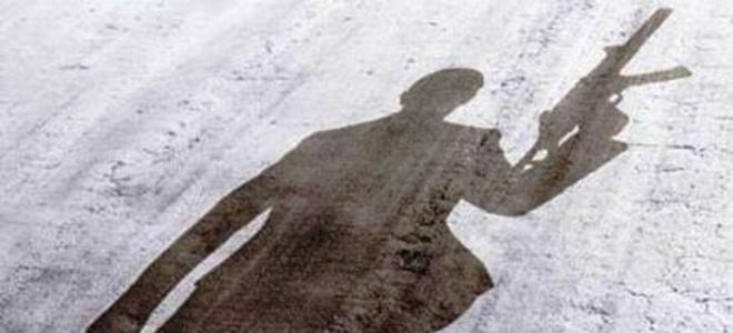 Η συμμορία με τα καλάσνικοφ, πίσω από το όπλο που βρέθηκε σε σχολείο