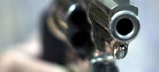 Εξωπραγματικό: Ιδιοκτήτης πυροβόλησε τον ενοικιαστή του και η σφαίρα «σφήνωσε» στα δόντια του θύματος