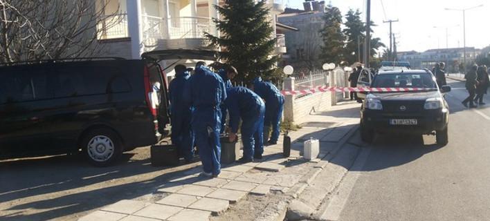 Σοκ στη Θεσσαλονίκη: Σκότωσε τον αδελφό του, τη νύφη του και το 12χρονο παιδί τους, με μαχαίρι