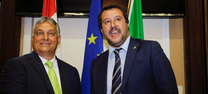Ο Βίκτορ Ορμπαν (αριστερά) και ο Ματέο Σαλβίνι / Φωτογραφία: AP Images