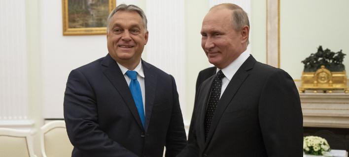 Τον Ορμπαν συνάντησε ο Πούτιν στη Μόσχα (Φωτογραφία: AP/ Alexander Zemlianichenko)