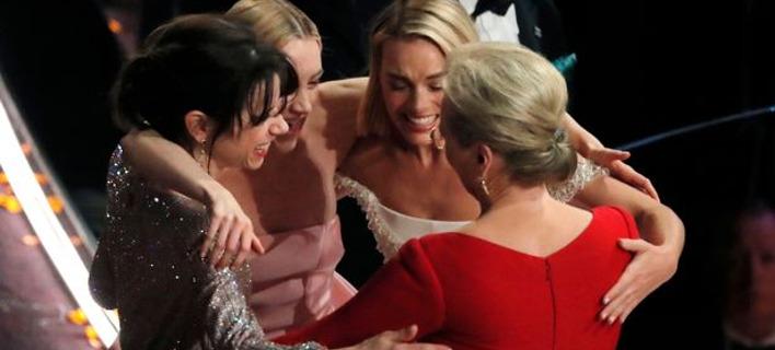 Η απρόσμενη αντίδραση των 4 χαμένων του Οσκαρ Α' Γυναικείου Ρόλου -Αγκαλιάζονται δακρυσμένες [εικόνες]