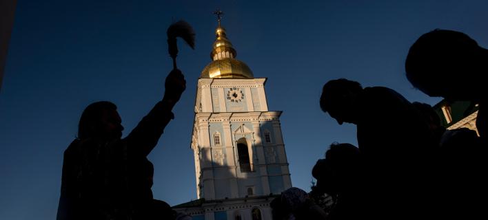 Προς αυτοκεφαλία η ουκρανική Εκκλησία (Φωτογραφία: AP Photo/Evgeniy Maloletka)