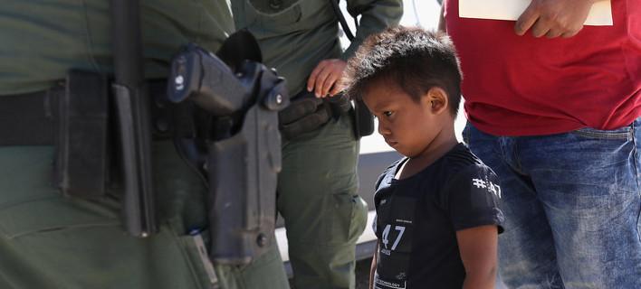Ετσι είναι να σου παίρνει το κράτος τα παιδιά /Φωτογραφίες: Getty