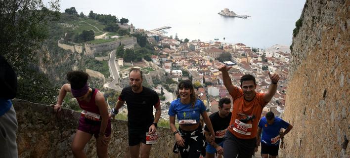 Ναύπλιο: Παλαμήδειος Αθλος από 400 αθλητές-Ανέβηκαν τρέχοντας τα 999 σκαλιά