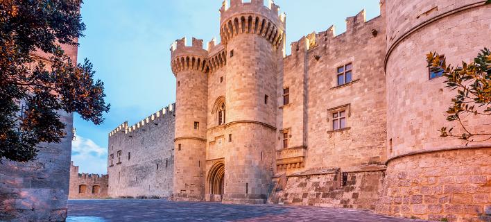 Το παλάτι του Μεγάλου Μάγιστρου στη Ρόδο (Φωτογραφία: Shutterstock)