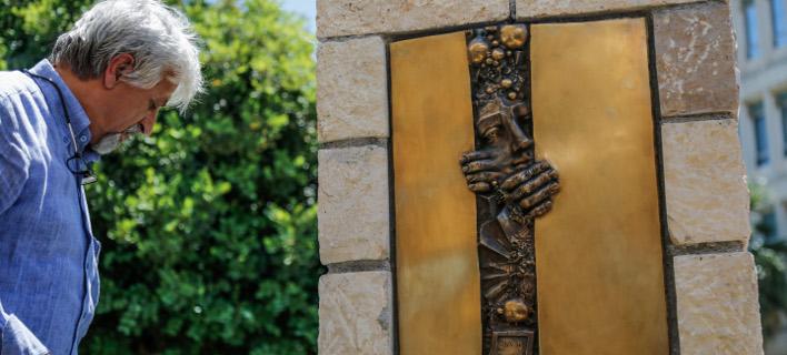 «Ποινικό αδίκημα» η προσβολή της μνήμης των νεκρών λέει η ΠΟΣΠΕΡΤ