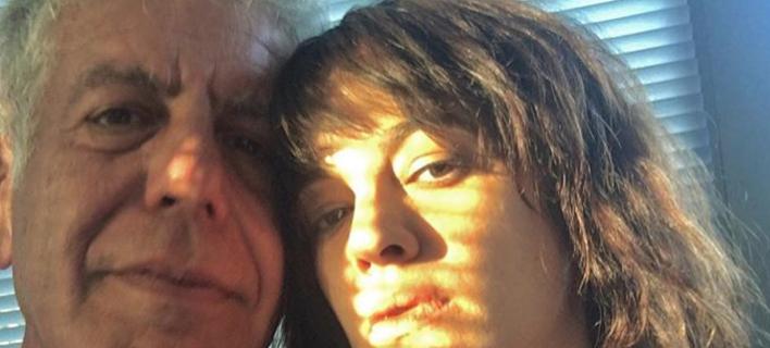 Παπαράτσι φωτό της φίλης του με άλλον προκάλεσαν την αυτοκτονία του Μπουρντέν; Τι λένε οι φίλοι του [εικόνες]