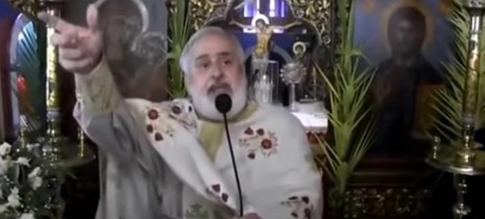 Ιερέας τα «ψέλνει» σε βουλευτές -«Όλοι οι άθεοι παίρνουν συντάξεις 7-8 χιλιάδες ευρώ το μήνα» [βίντεο]