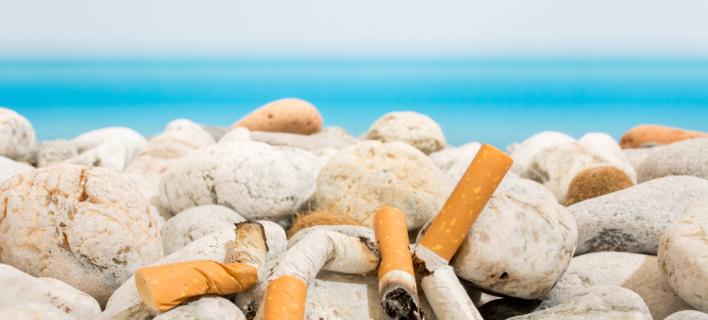 τσιγάρα σε παραλία/φωτογραφία: Shutterstock