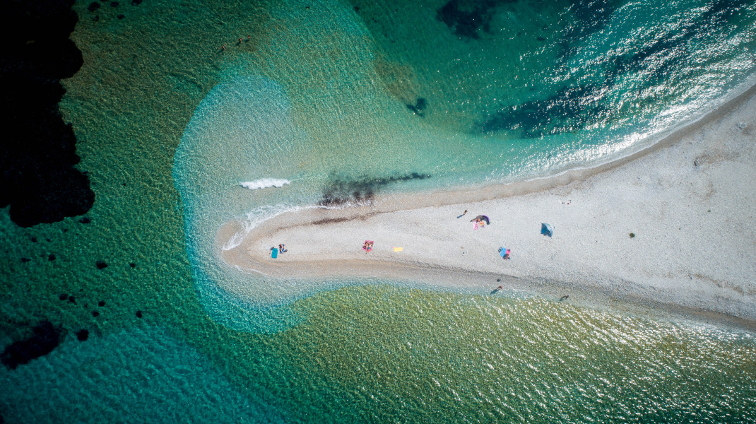 Η παραλία του Αγίου Παύλου στην Αμοργό -Φωτογραφία: ΑΝΤΩΝΗΣ ΝΙΚΟΛΟΠΟΥΛΟΣ/EUROKINISSI