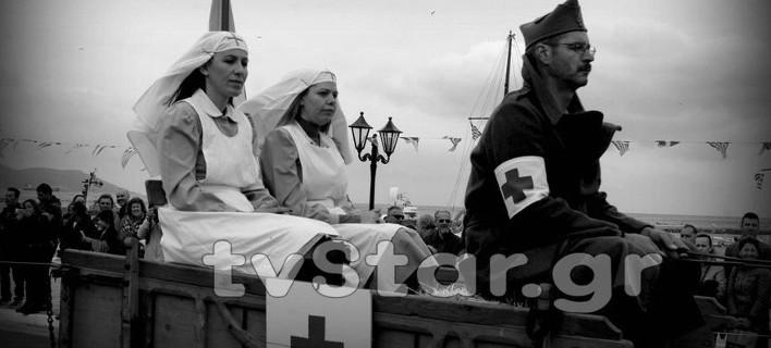 Παρέλαση όπως το 1940 -Με μουλάρια και στολές εποχής [εικόνες]