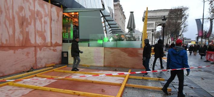 «Κίτρινα Γιλέκα»: Απόπειρα επίθεσης στο Drugstore de Publicis στο Παρίσι