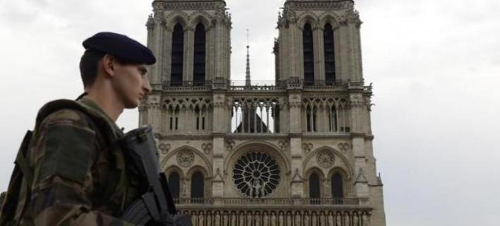 Και δεύτερο ζευγάρι συνελήφθη για το αυτοκίνητο με τις φιάλες αερίου στο κέντρο του Παρισιού