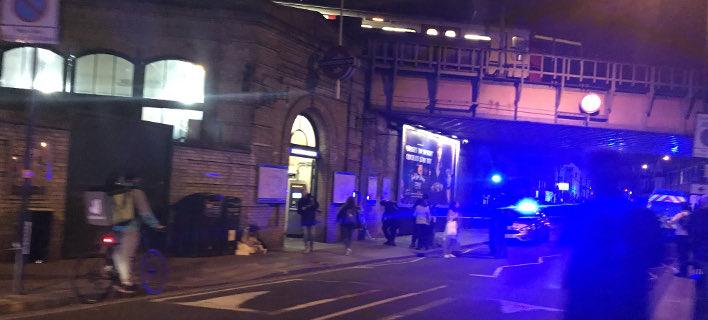 Επίθεση με μαχαίρι έξω από σταθμό του μετρό στο Λονδίνο (Φωτογραφία: Twitter)