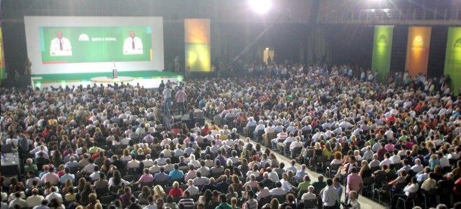 Το ΠΑΣΟΚ στην ευθεία για το συνέδριο, με στόχο αλλά χωρίς πρόγραμμα