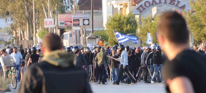 Συγκρούσεις, μολότοφ, δακρυγόνα - Σε κατάσταση πολιορκίας η Πάτρα