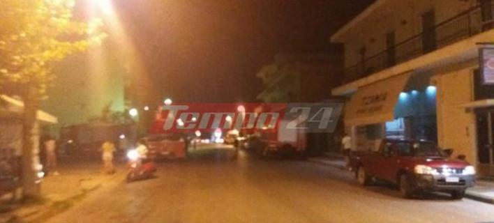 Δύο αδέρφια στην Πάτρα ανέβηκαν στα κάγκελα του μπαλκονιού τους και απειλούσαν να αυτοκτονήσουν/ Φωτογραφία: tempo24