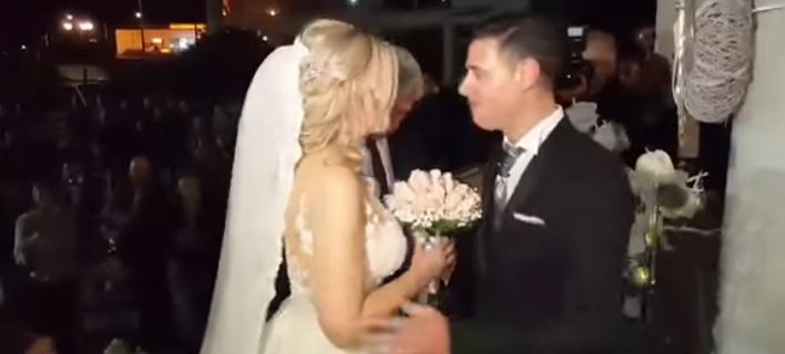 Φωτογραφία: patrastimes.gr/ Ο πρώτος γάμος του 2018 έγινε στην Πάτρα... την Πρωτοχρονιά [εικόνες & βίντεο]