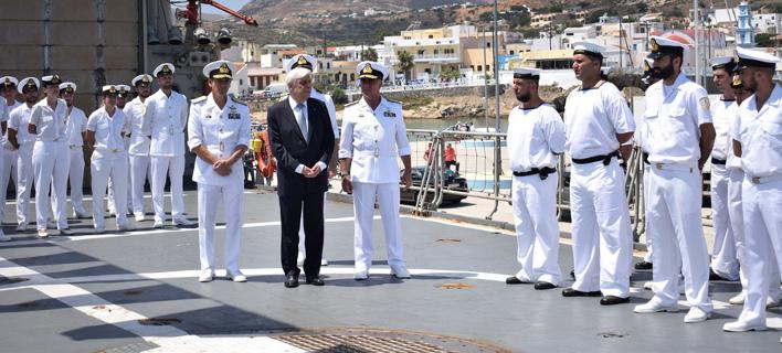 Νέα τουρκική πρόκληση -Παρενόχλησαν το ελικόπτερο που μετέφερε τον Παυλόπουλο από τη Χίο