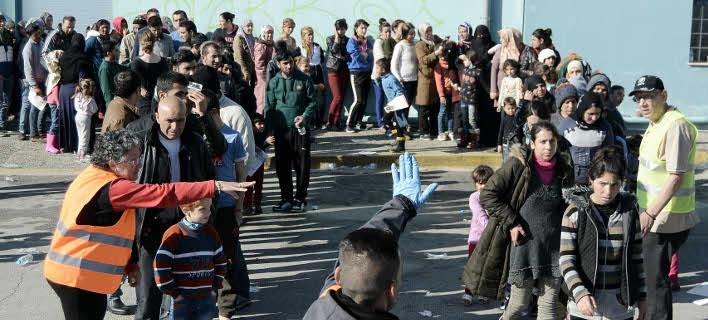 Αυτοσχέδιο hotspot στον Πειραιά -3.500 πρόσφυγες εγκλωβισμένοι στο λιμάνι