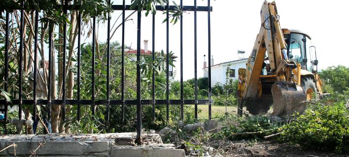 κατεδάφιση παράνομης περίφραξης στη Χαλκιδική/Φωτογραφία: Eurokinissi