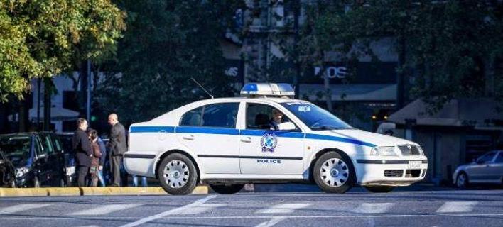 Τροχαίο ατύχημα στην Βασιλίσσης Σοφίας -Αυτοκίνητο καρφώθηκε σε κολώνα