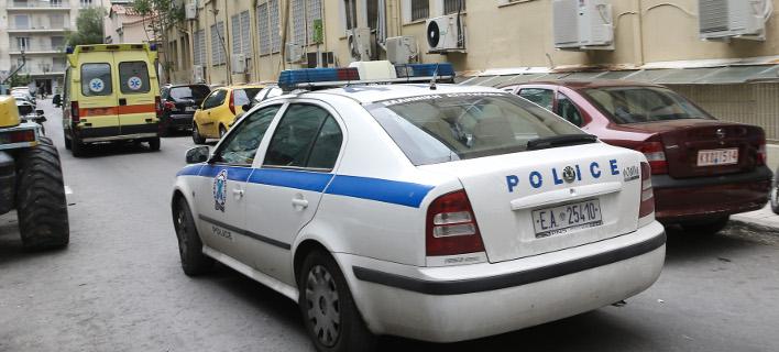 Απίστευτο περιστατικό στο Αργος: Ομάδα 20 μεταναστών περικύκλωσε και άρχισε να θωπεύει νεαρή