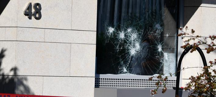 Ο Ρουβίκωνας ανέλαβε την ευθύνη για την επίθεση στην πρεσβεία του Καναδά/ Φωτογραφία: INTIMENEWS