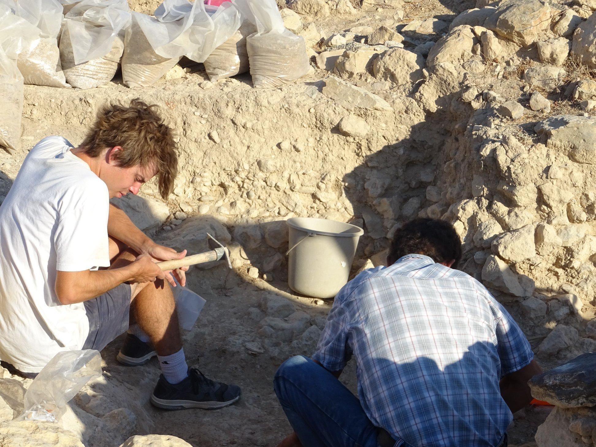Το νεκροταφείο Πετρά, ανήκε αποκλειστικά σε ελίτ οικογένειες του ανακτορικού οικισμού